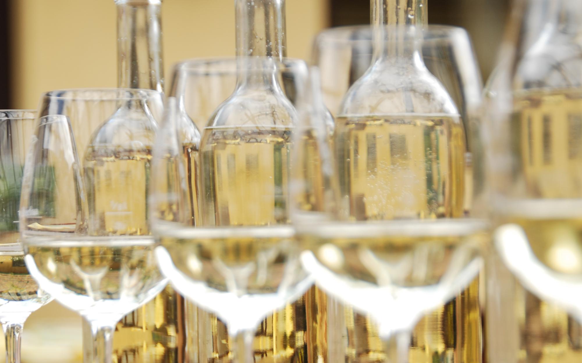 Mehrere Weingläser